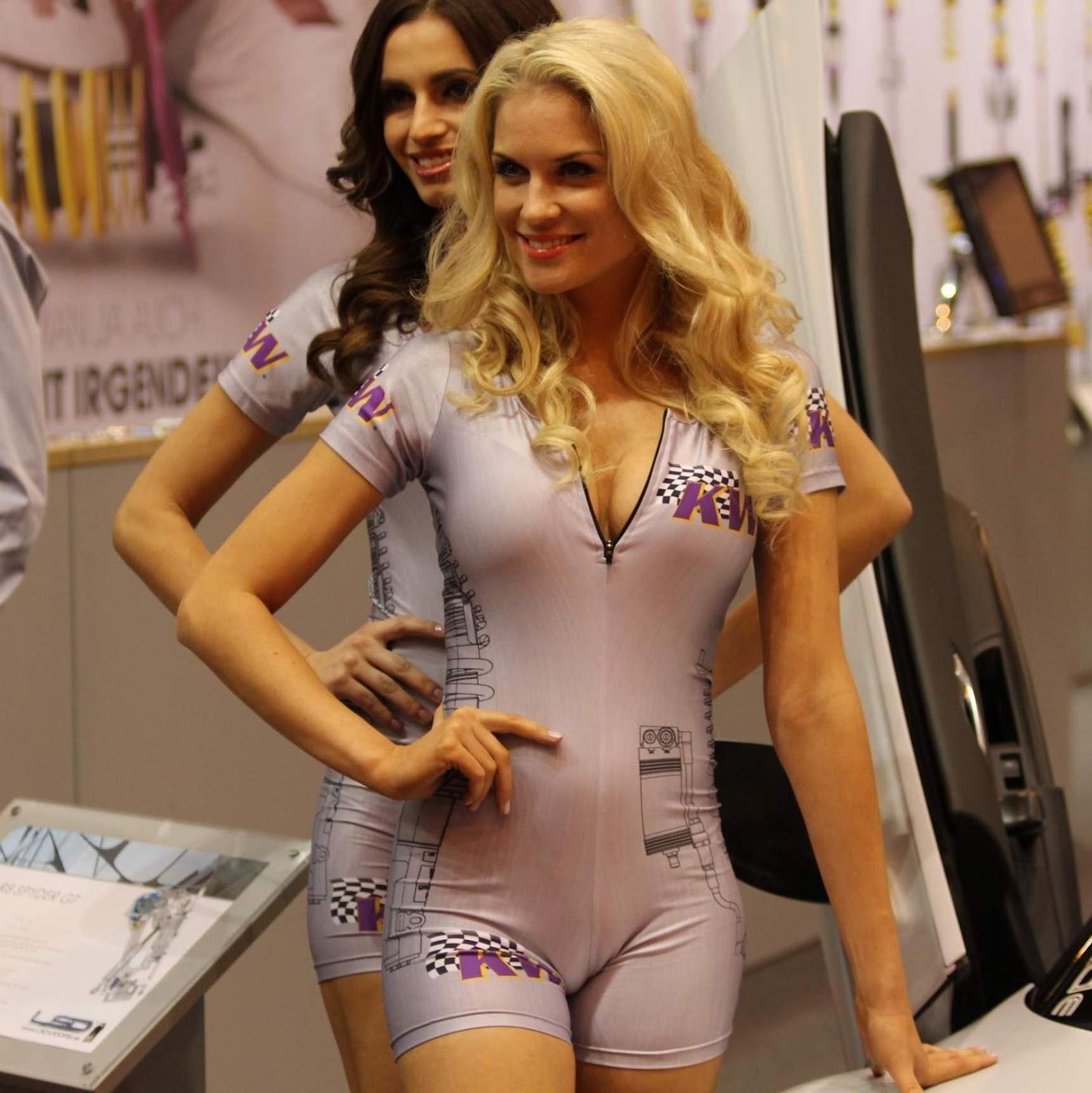 Embaladas a vácuo - Belas mulheres com roupas super apertadas - Parte 29