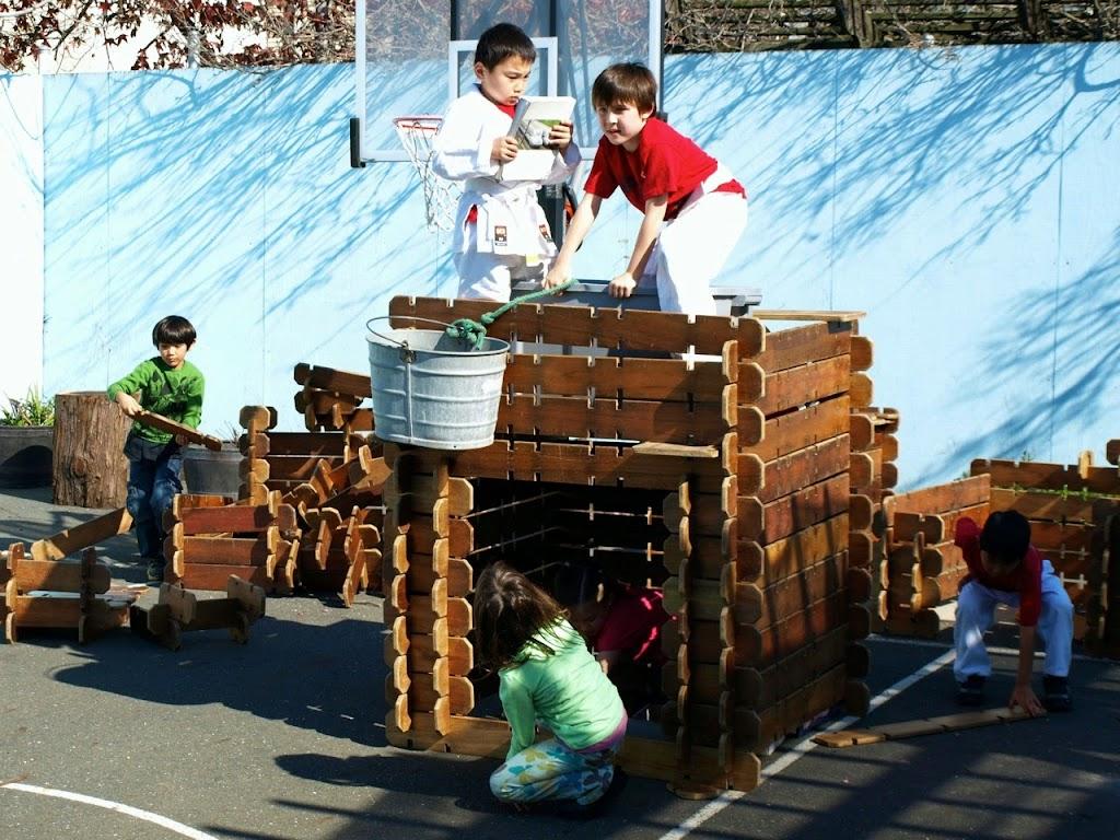 Shunji Keita Sayana Take builder board house