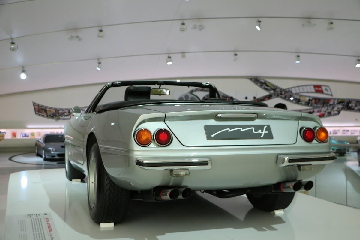 Modena - Enzo Museum 0023 - 1969 Ferrari 365 GTS4 Daytona Spider.jpg