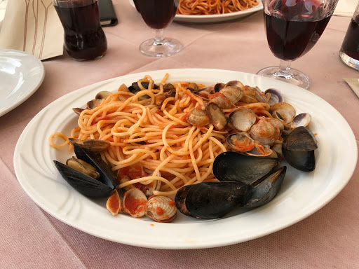 Authentic Italian seafood pasta with mussels and clams
