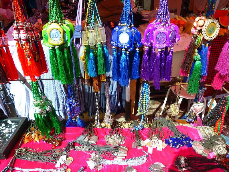 XINJIANG. Urumqi, Grand Bazar, 8 avril - P1270287.JPG