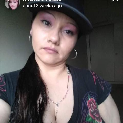 user Michelle Valdez apkdeer profile image
