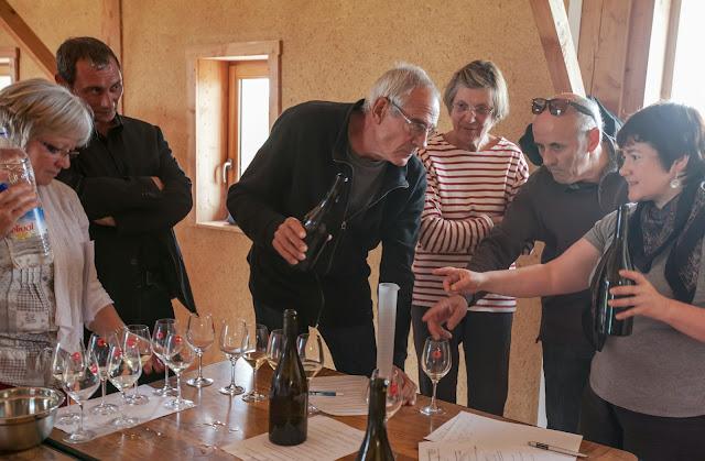 Assemblage des chardonnay milésime 2012. guimbelot.com - 2013%2B09%2B07%2BGuimbelot%2Bd%25C3%25A9gustation%2Bd%25E2%2580%2599assemblage%2Bdu%2Bchardonay%2B2012%2B121.jpg