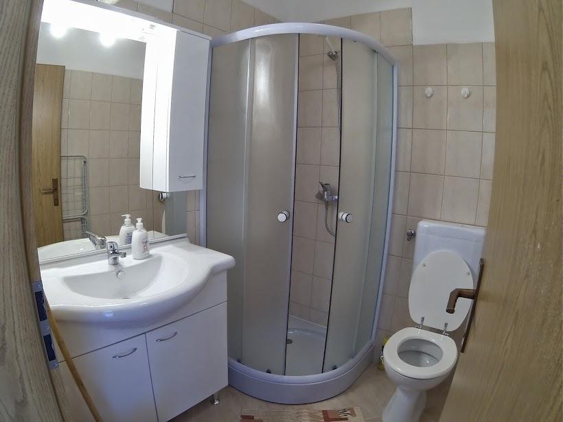 villa dobra holiday apartman 1 fürdőszoba