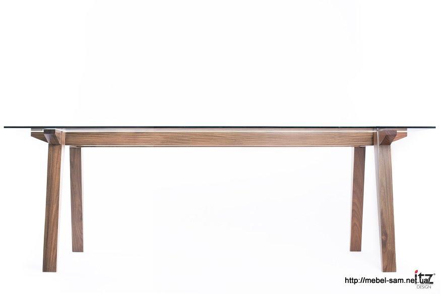 Такая конструкция позволяет сделать стол практически любых размеров
