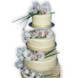 14. kép: Esküvői torták - Esküvői törtfehér virágos torta