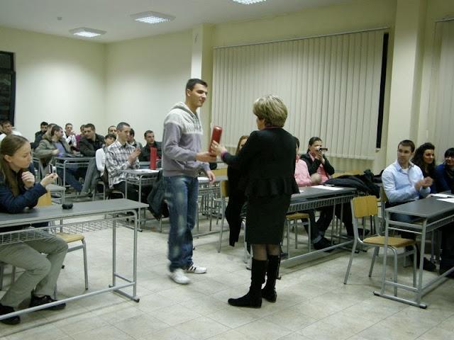 Dodela diploma, Predstava, Izlozba SingiDigitala 28.12.2011 - PC280280.jpg
