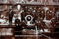 Soldier on the left has Pionierfaschinenmesser model 1871