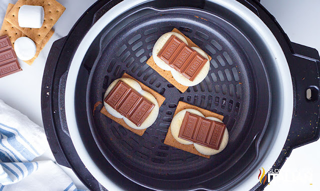 smores recipe in air fryer graham crackers, marshmallow and chocolate