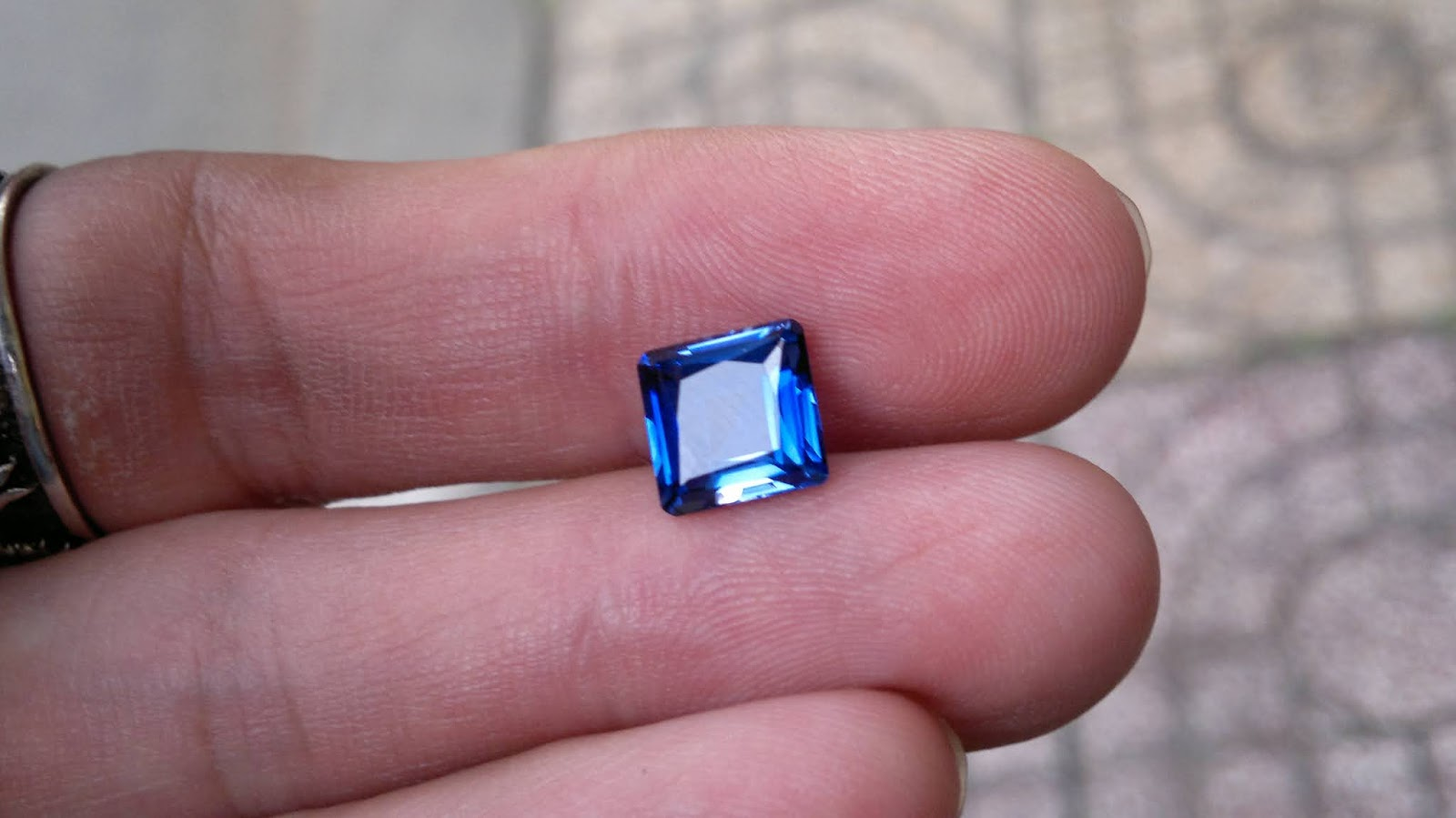 Đá Sapphire nuôi cấy, Synthetic Sapphire