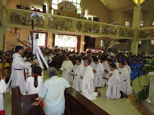 Giáo xứ đi Đàng Thánh Giá Tuần Thánh 2016