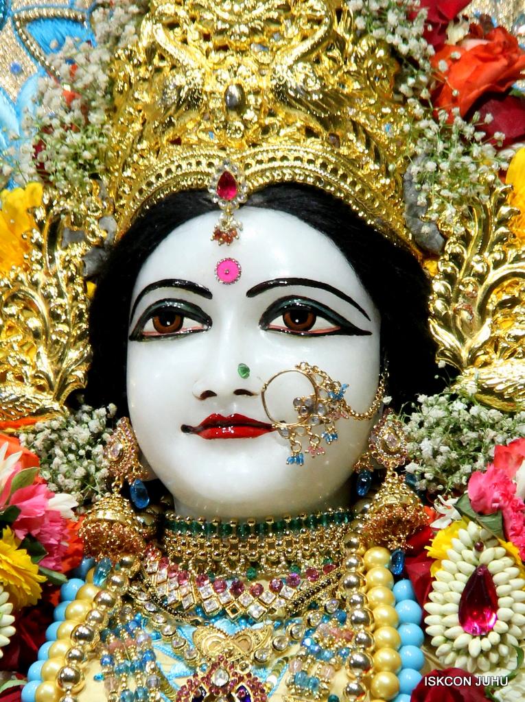 ISKCON Juhu Sringar Deity Darshan on 30th Dec 2016 (28)