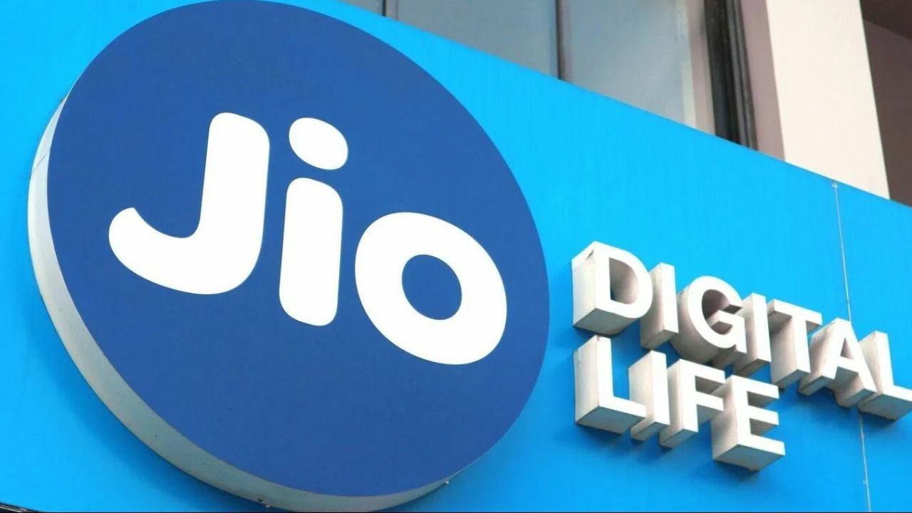 PE Gaint Silver Lake Partners, the American private equity giant, has bought one percent of Jio Platforms for $750 million (Rs. 5,655.75 crore) in a deal that values the tech and digital arm of Reliance Industries Ltd (RIL) at $65 billion.