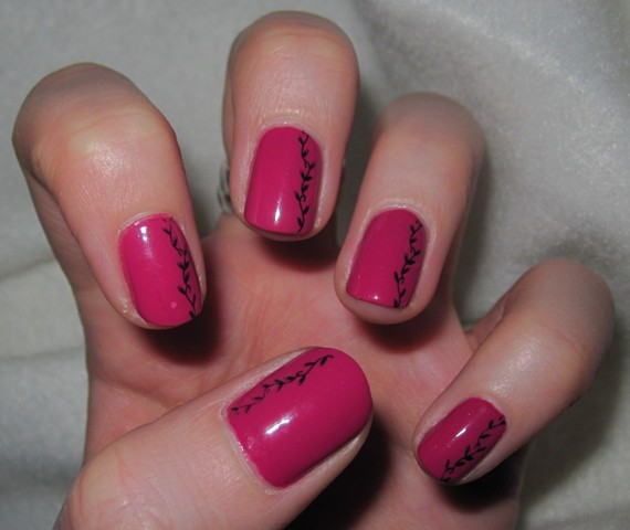 Nails Reloaded - Nageldesign Schwarze Ranke Auf Pink
