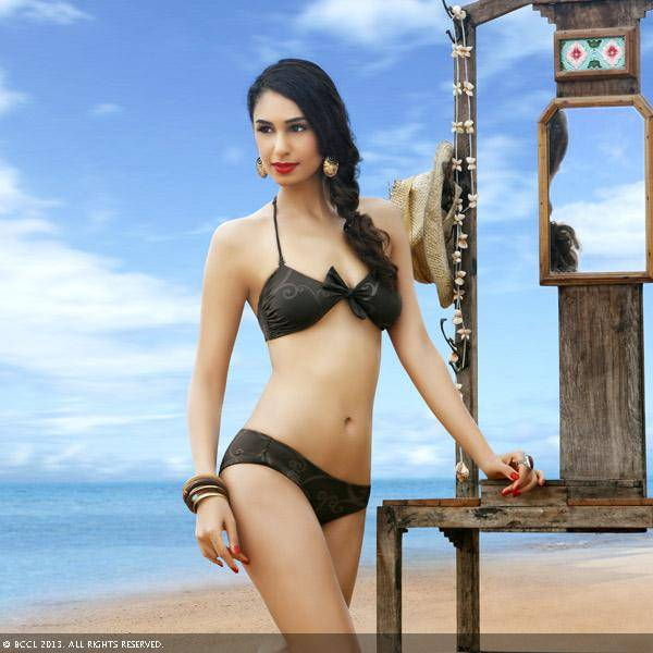 Femina Miss India Earth 2011 Hasleen Kaur looks great as she poses for the month of December.