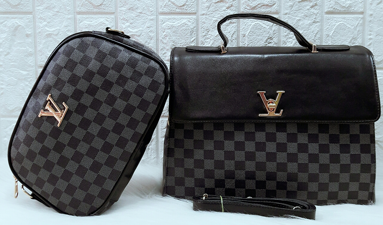 👜👝LOUIS VUITTON👝👜   Designer Handbag Combo set of 2 pcs made in high  end fabric along with an adjustable long belt.   Colours 4    Dimension 10x13  a66c36ef323f5