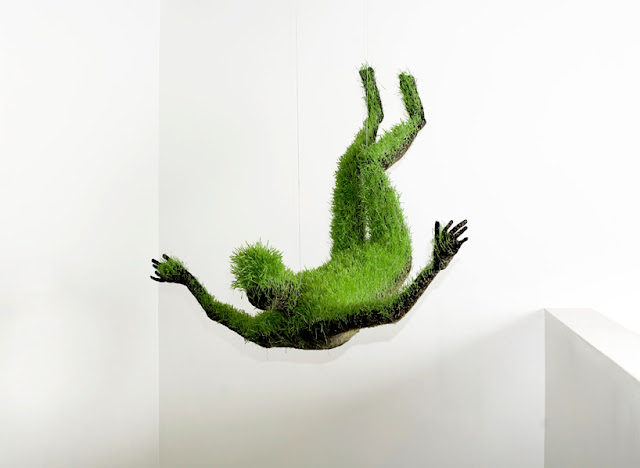 Скульптуры из травы Матильды Руссель