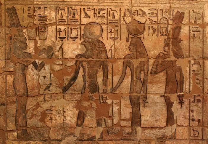 the-gods-wives-club-medinet-habu