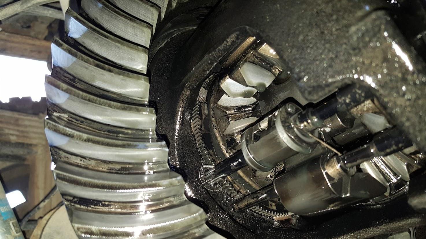 LMM: 07 5 lmm rear diff stuck locked in  found the cause