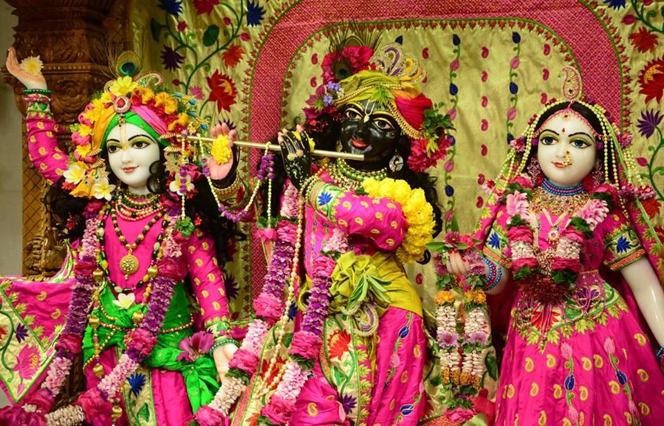ISKCON GEV Deity Darshan 08 Jan 2017 (24)