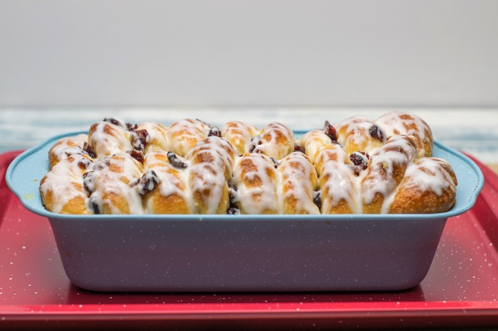 cranberry orange cinnamon roll bread