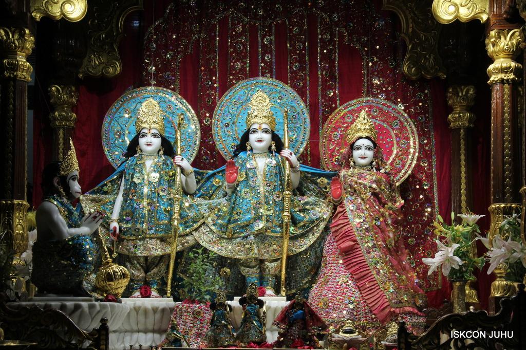 ISKCON Juhu Mangal Deity Darshan on 25th Oct 2016 (6)