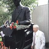 У памятника основателю Прогресса А.Г. Ивченко
