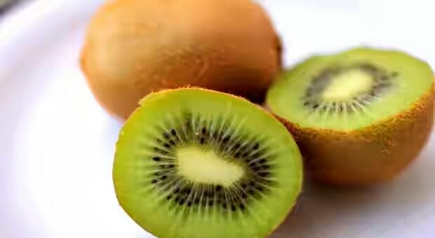 Image result for कीवी फल eating women