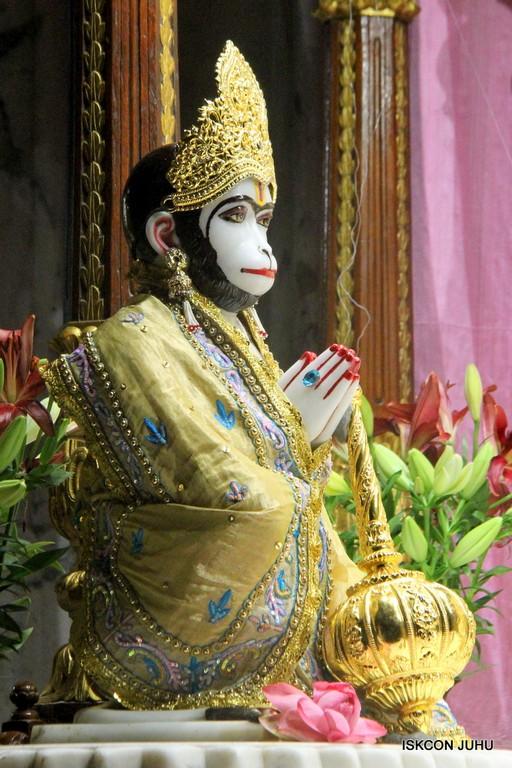 ISKCON Juhu Mangal Deity Darshan on 24 April 2016 (14)