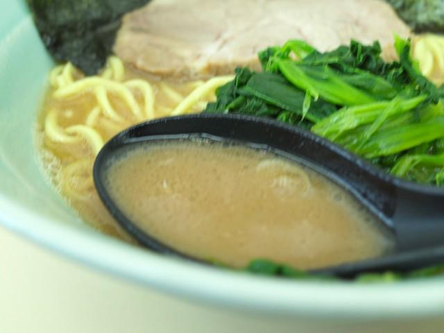 レンゲでスープをすくってみた