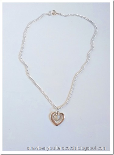 Added a new chain with clasp, and now the heart necklace is done!