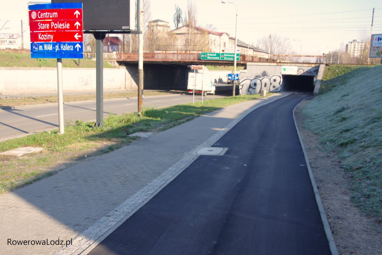 Dotychczasowa kostka została zastąpiona przez równy asfalt