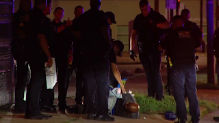 Man arrested after assaulting security guard, pulling knife on officers