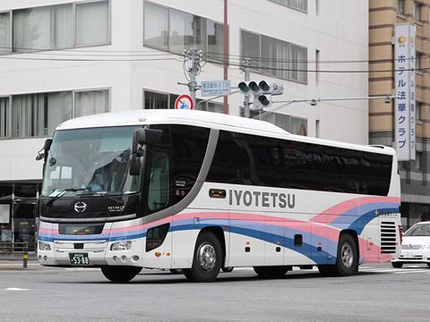 伊予鉄南予バス「道後エクスプレスふくおか号」 5388 福岡市内にて