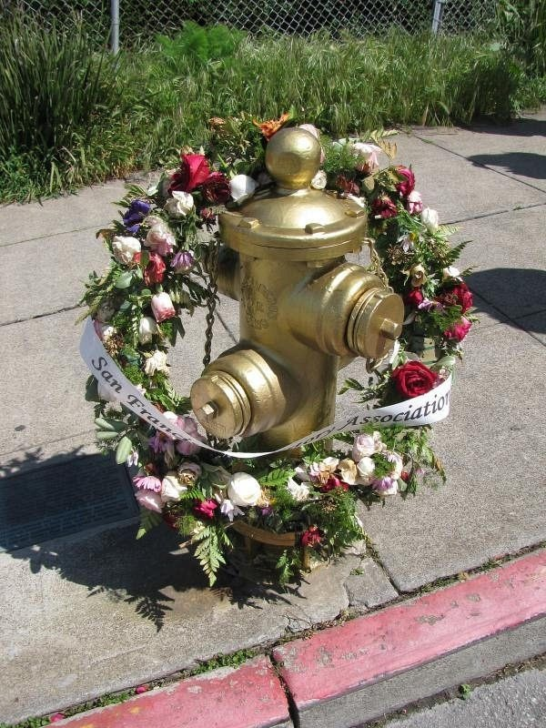 golden-fire-hydrant-2
