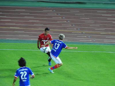 横浜F・マリノス小林祐三 vs 浦和レッズ槙野智章
