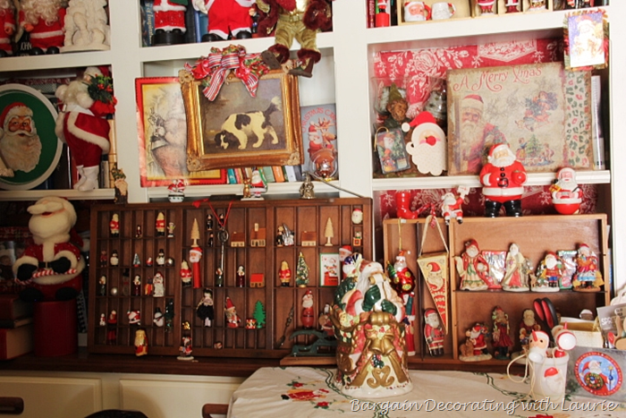 [Some%2520of%2520the%2520Santas%2520on%2520the%2520shelves%255B2%255D.png]