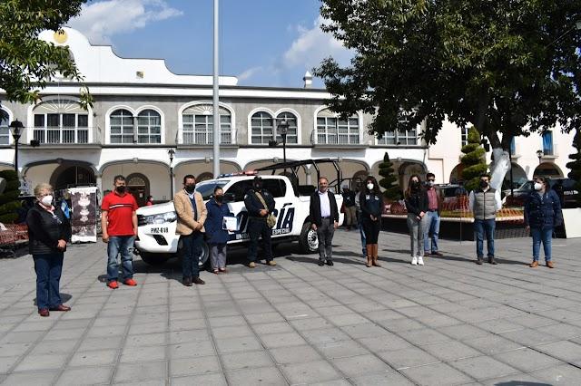 Entrega Tomás Orea nueva patrulla a la Policía Municipal de Zacatelco