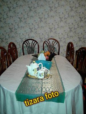 meja makan klasik