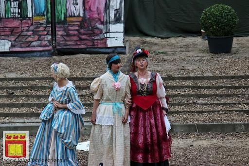 Alice in Wonderland, door Het Overloons Toneel 02-06-2012 (10).JPG