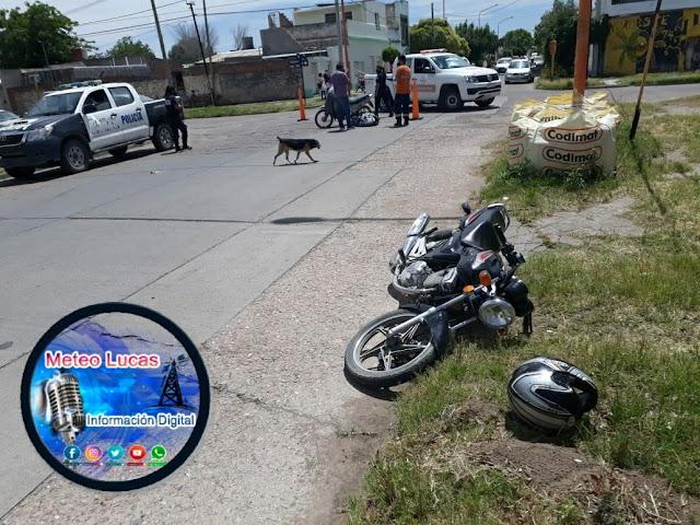 Dos motocicletas chocaron en calle Brasil y Catamarca 🏍
