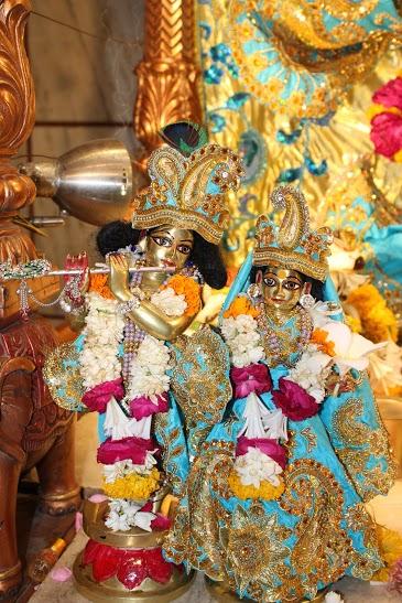ISKCON Vallabh Vidyanagar Sringar Deity Darshan 23 April 2016 (8)