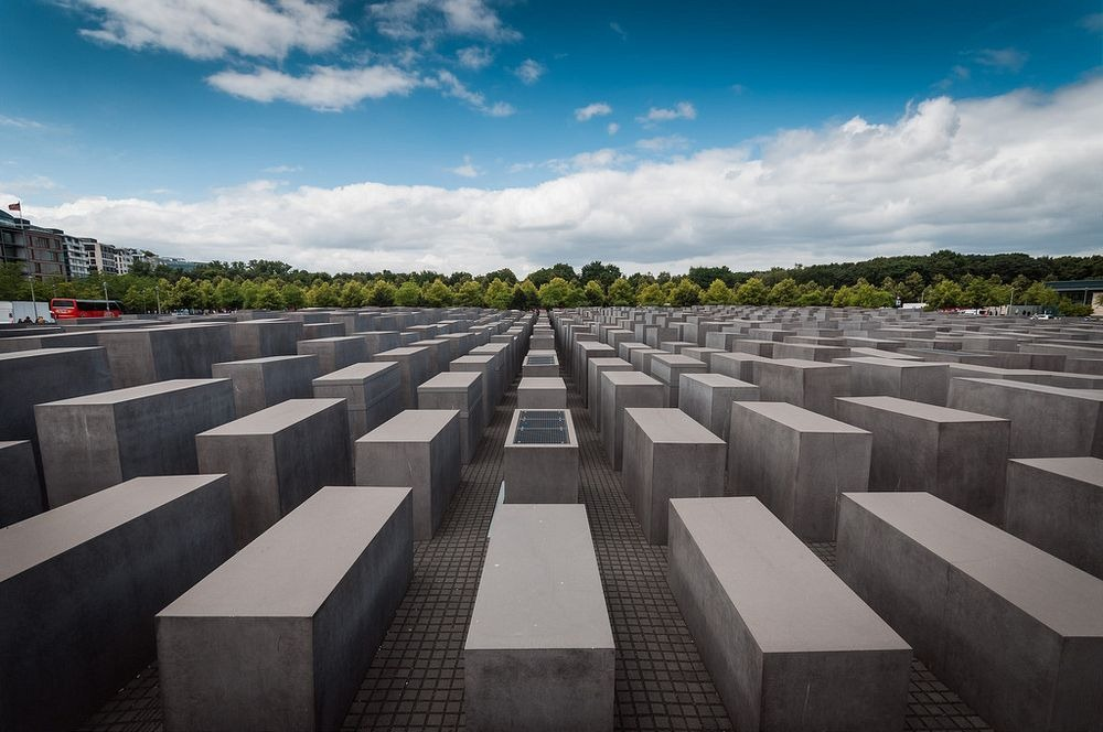 memorial-murdered-jews-europe-berlin-13