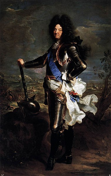 Louis XIV in full ceremonial armor standing in front of a battle scene.
