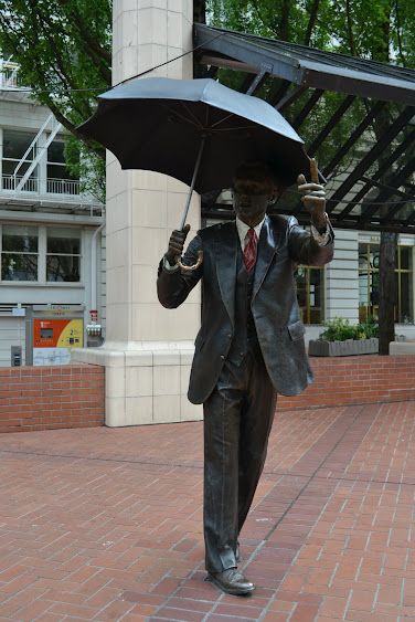 Джон Сьювард Джонсон. Позвольте. Портланд, Орегон (John Seward Johnson, Allow me.Portland, OR)