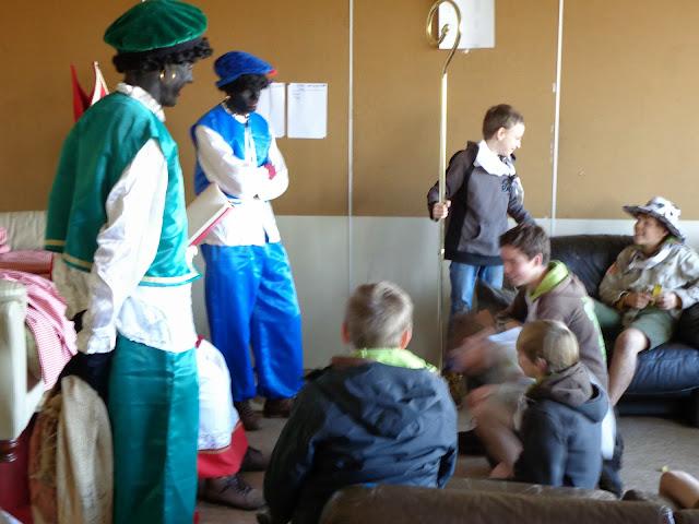 Sinterklaas op de scouts - 1 december 2013 - DSC00226.JPG