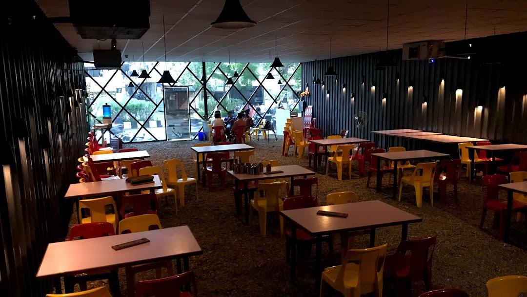 Joker Fancy Dhosa Restaurant In Surat Best eatery and food joint. joker fancy dhosa restaurant in surat
