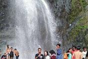 curug cigentis karawang wisata alam mempesona indonesia