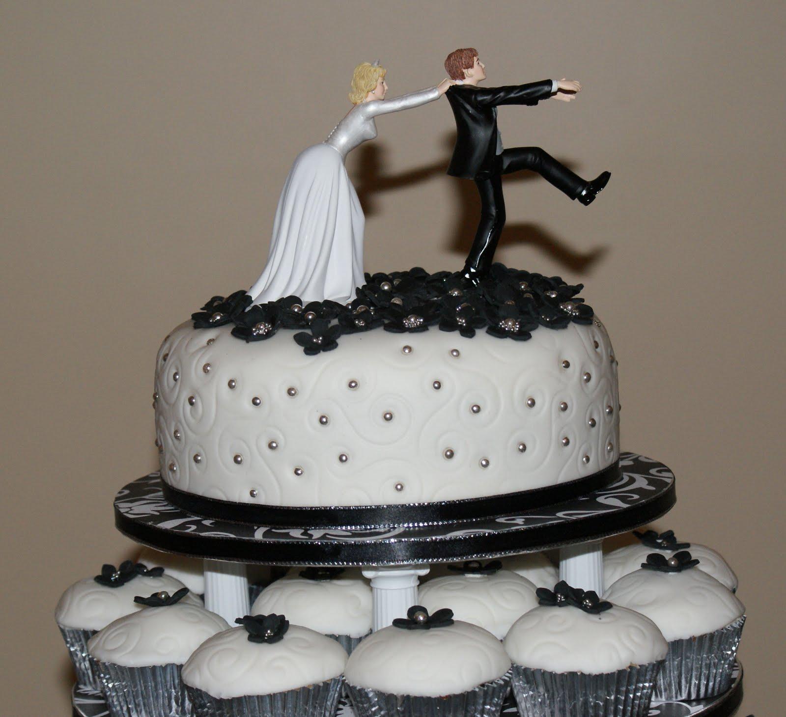 Wedding Cupcake Tower: Eliza-'s Blog: A Black & White Wedding