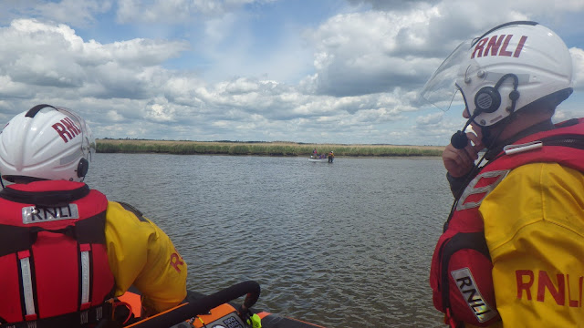 ILB launch to a grounded boat in the Wareham Channel - 14 May 2014